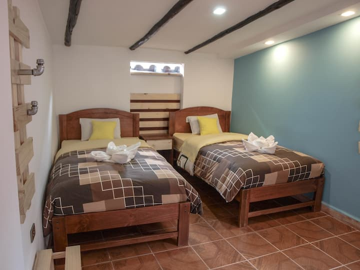 Standard Twin (2 Individual) Beds Room