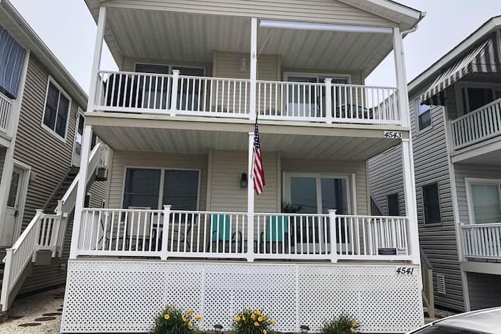 OCNJ cozy house 2 blocks from beach! 1st floor