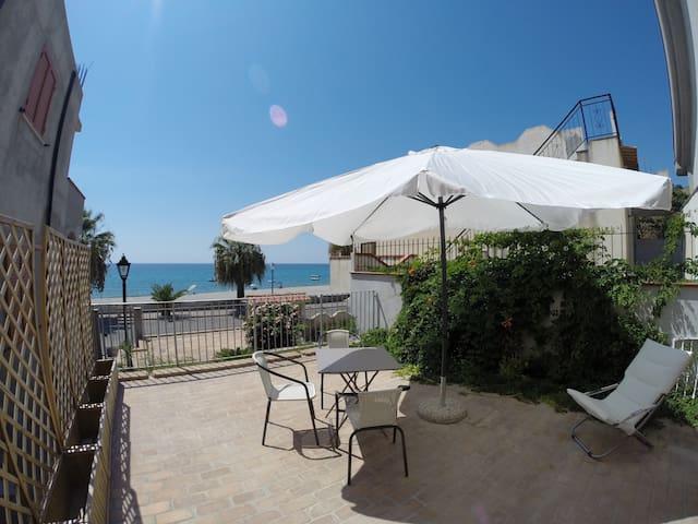 La casa in cantina sul mare della Calabria 3
