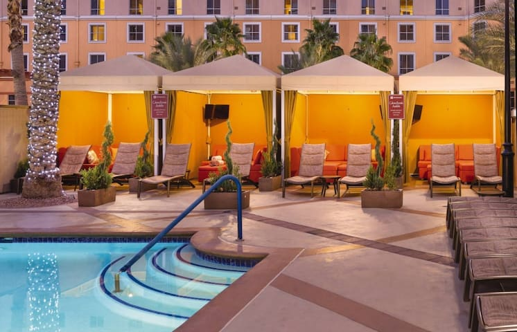 Wyndham Grand Desert - 2 Bedroom Sleeps 8