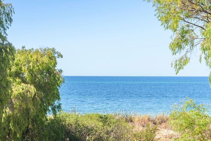 ABSOLUTE OCEAN FRONT APARTMENT!! - Broadwater - Pis