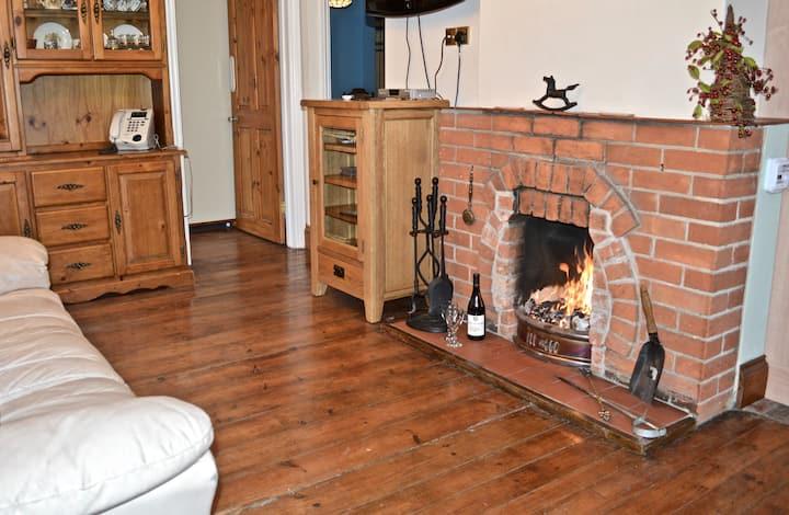Greensholme - homely cottage in Blakeney