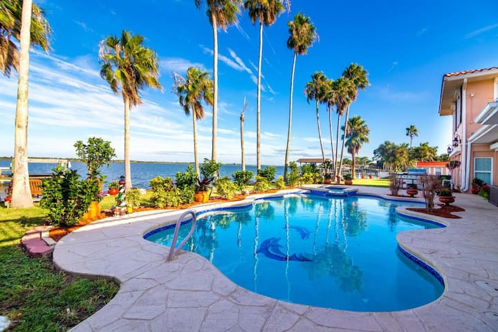 Horti Point Waterfront Mansion