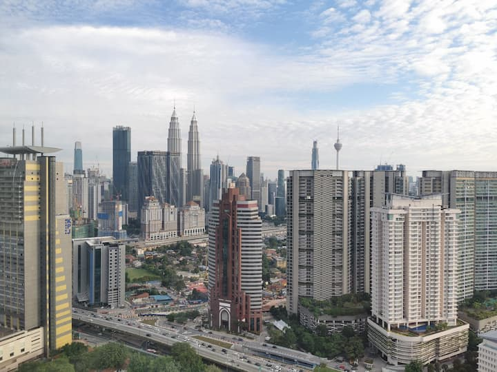 Expressionz-KLCC-View-From-Apartment-High-Floor