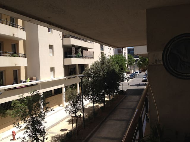 Rue vue du balcon