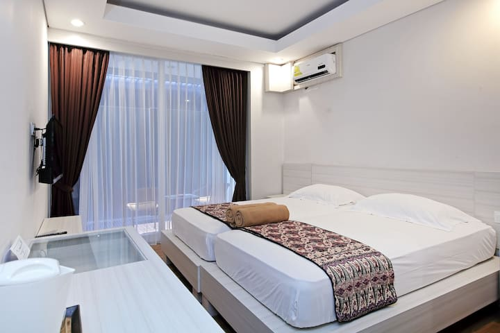 Cozy 2 BD with balcony in Denpasar