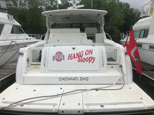 Hang On Sloopy motor Yacht