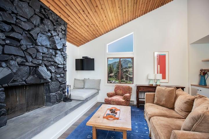 Mountain Modern: Sun Valley Condo