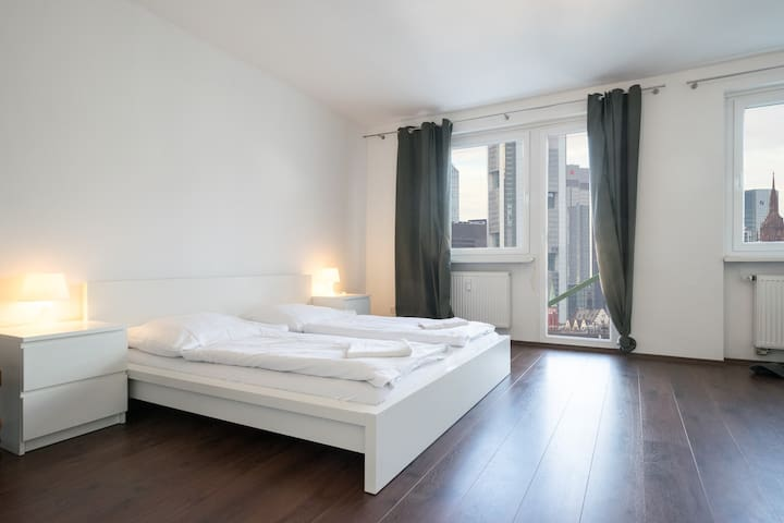 Living In Your Central Own 2 Bedrooms Apartment - Frankfurt am Main - Lejlighed