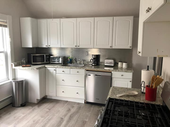 Indpndnt Cozy 2bd/Hip&Fun Location near Asbly Row.
