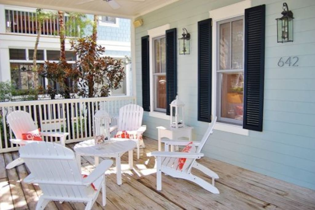 WaterColor - Open and Inviting Front Porch