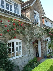 Longbarn House -Twin Room en-suite - West Stafford - Bed & Breakfast