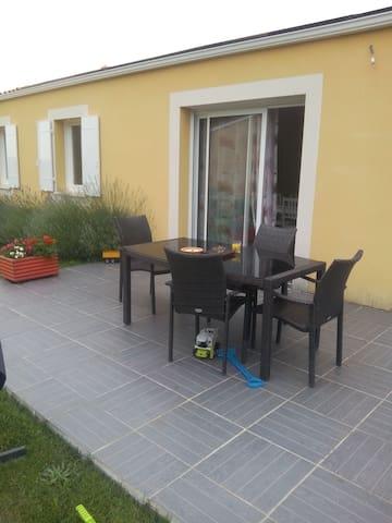 maison campagne au calme bien située - Civrac-de-Blaye - Dům