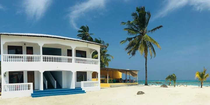Minazi Beach Bungalows -Tower House  (4 Rooms)