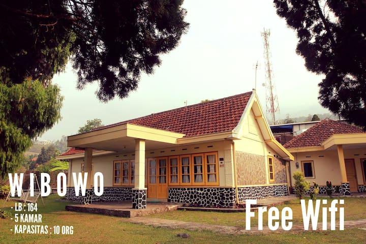 Villa de Nusa WIBOWO