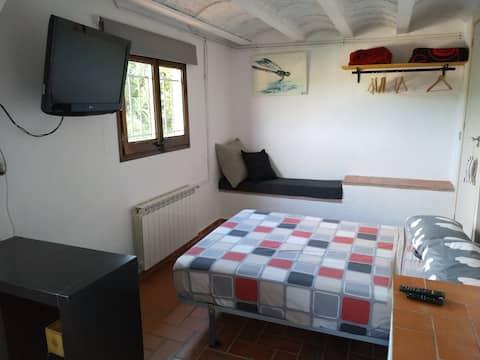 Suite con acceso independiente y patio en Begur