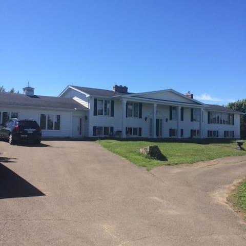 Grand-Barachois Estate