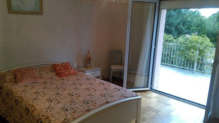 Coquette chambre Gimont/Petit Dej sur demande : 7€