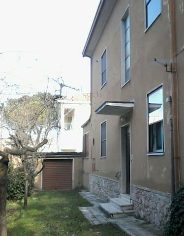 Appartamento vacanze in Umbria - Foligno - Apartament