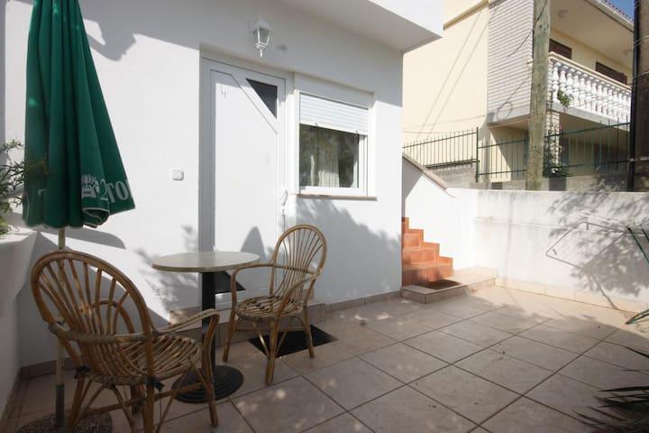Stúdió apartman terasszal Preko (Ugljan) (AS-8267-a)