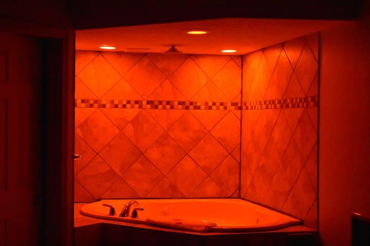 Jazzuzi Suites Hotel Room at Economy Inn - Little Rock