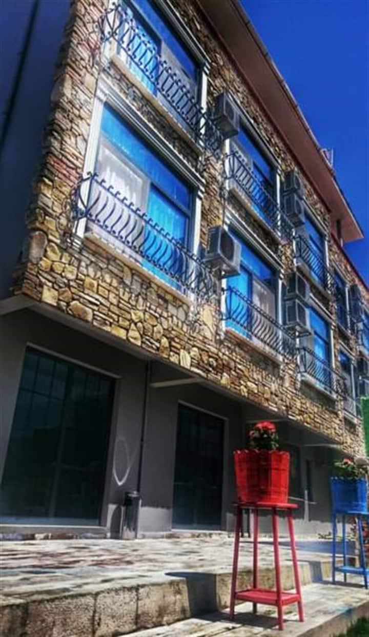 Çeşme Merkezde Butik Otel Aile Trible  Oda 3 kişi