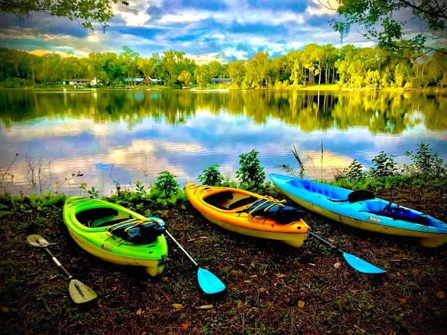 ♥ Peaceful Rustic-Modern Lakeside Wooded Retreat ♥