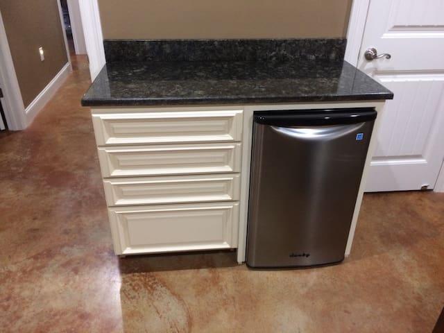 Mini fridge with storage drawers