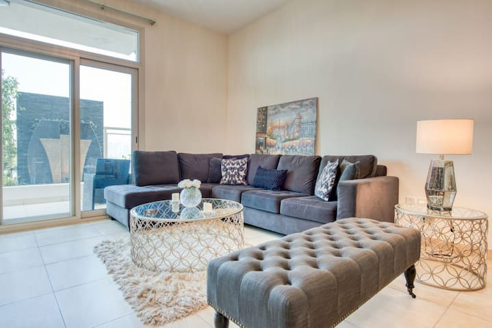 Luxurious 3 Bedroom Apartment with  huge terrace