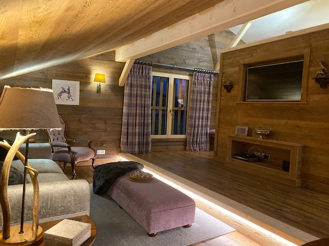 Luxurious 60sqm honeymoon suite opposite ski lift