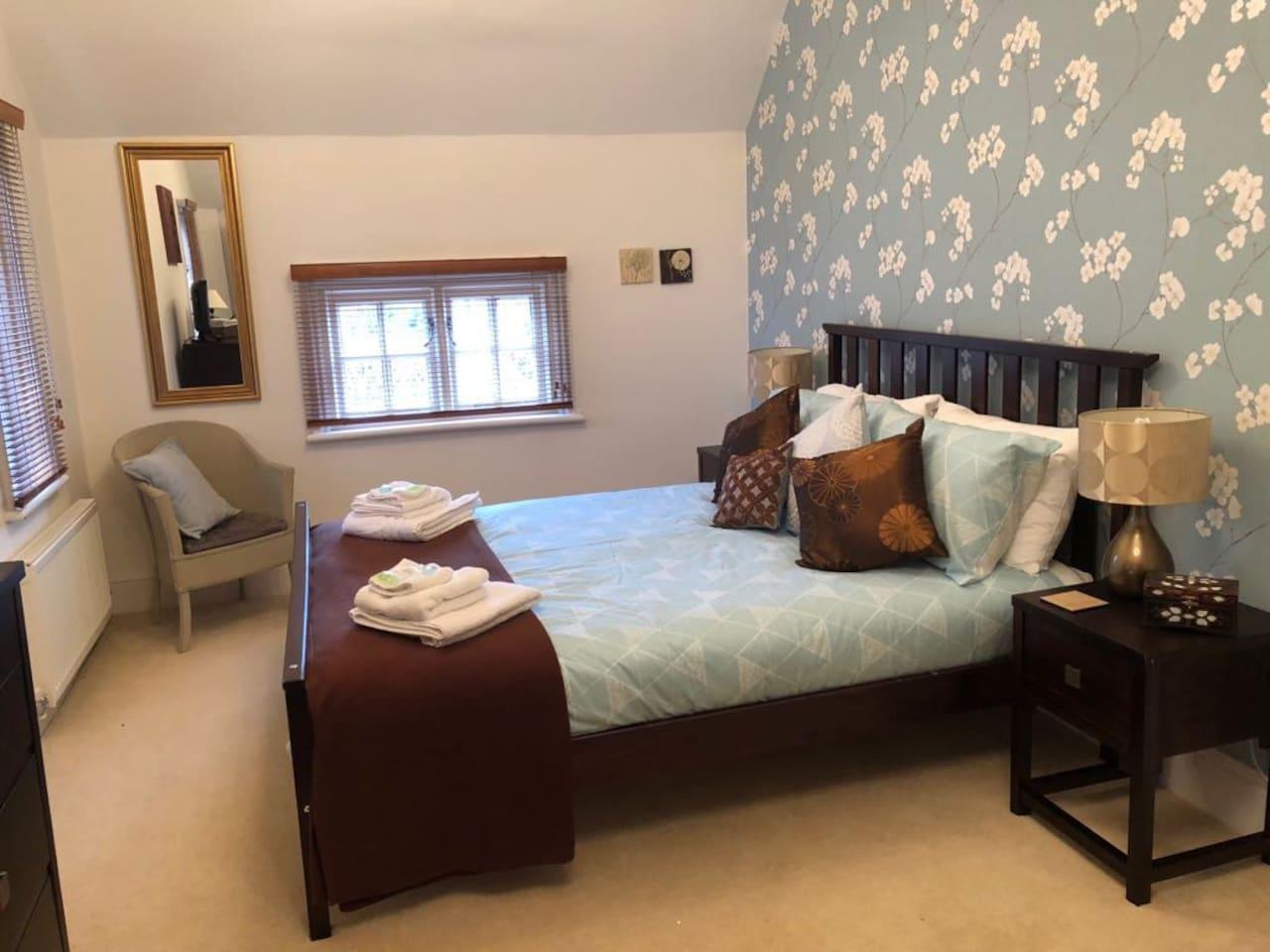 Double Room with En-Suite in rural setting