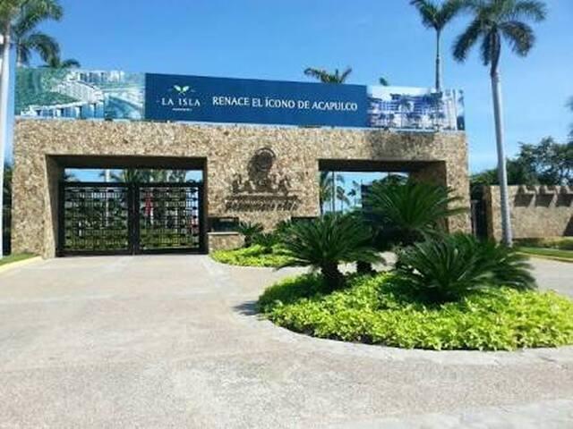 Isla Residence TiagoTian (4recámaras+cuarto servi)
