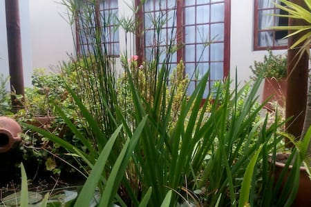 Lily Pond Cottage - private self catering - Cape Town - Bed & Breakfast