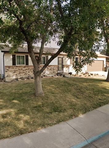 PET FRIENDLY home, quiet neighborhood!