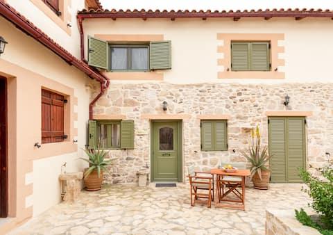 Romantic house - Priotissa II