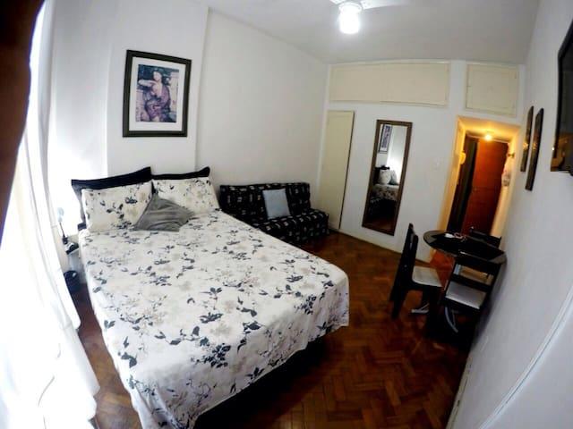 Ótimo apto à duas quadras da praia - Rio de Janeiro - Appartamento