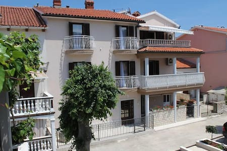 Two bedroom apartment with terrace and sea view Duga Luka (Prtlog), Labin (A-5528-a) - Duga Luka