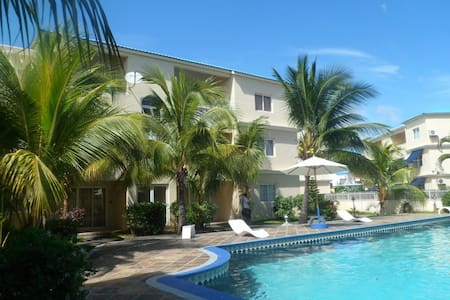 bright spacious flat very close to beach