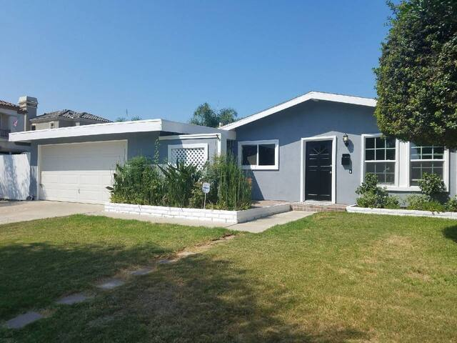 Private 1BR/1BA in Stylish Beach Bungalow