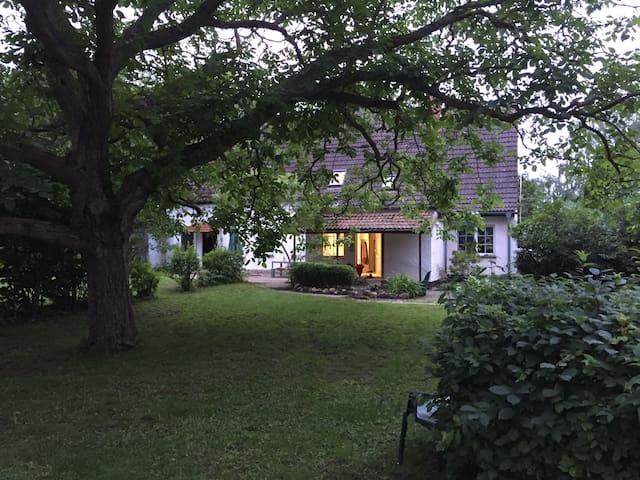 Ferienhaus am Wiek mit extra großem Garten