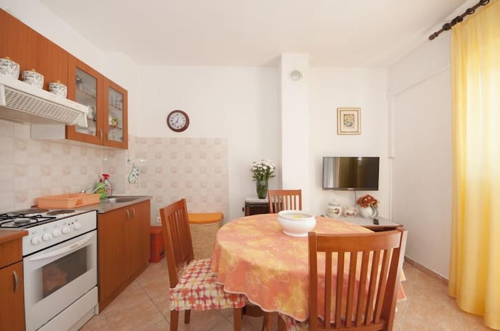 Apartments Mira - One Bedroom Apartment with Balcony