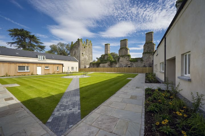 Castlemartyr Holiday Mews' (3 Bed)
