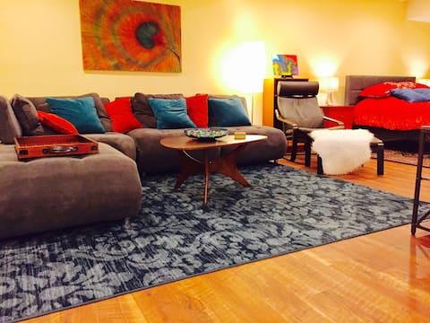 Modern Large Studio Apartment in Paradise