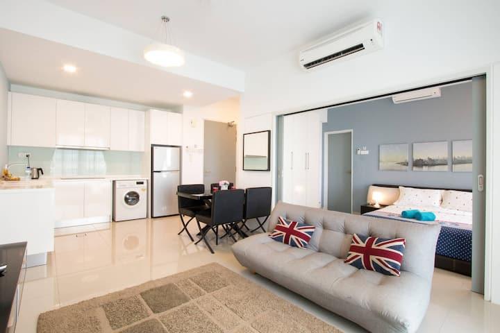 ✔ Retreat to a Stylish Home w Panoramic Sea views