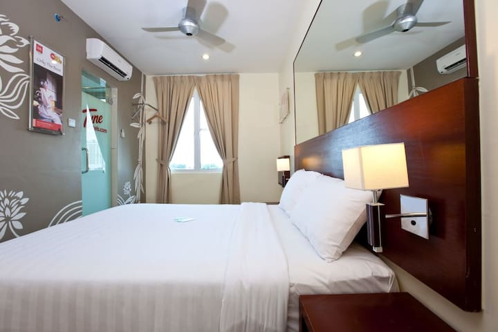 Tune Hotel Georgetown -Double Room(City View)