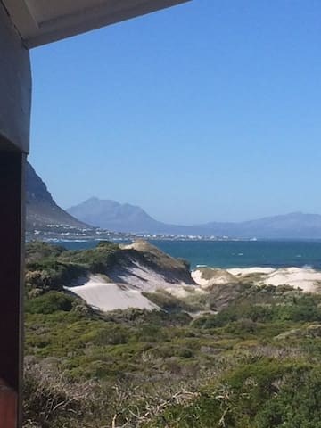 Beautiful Beach Cabin in Bettys Bay for 2-4 people - Betty's Bay - Cabaña