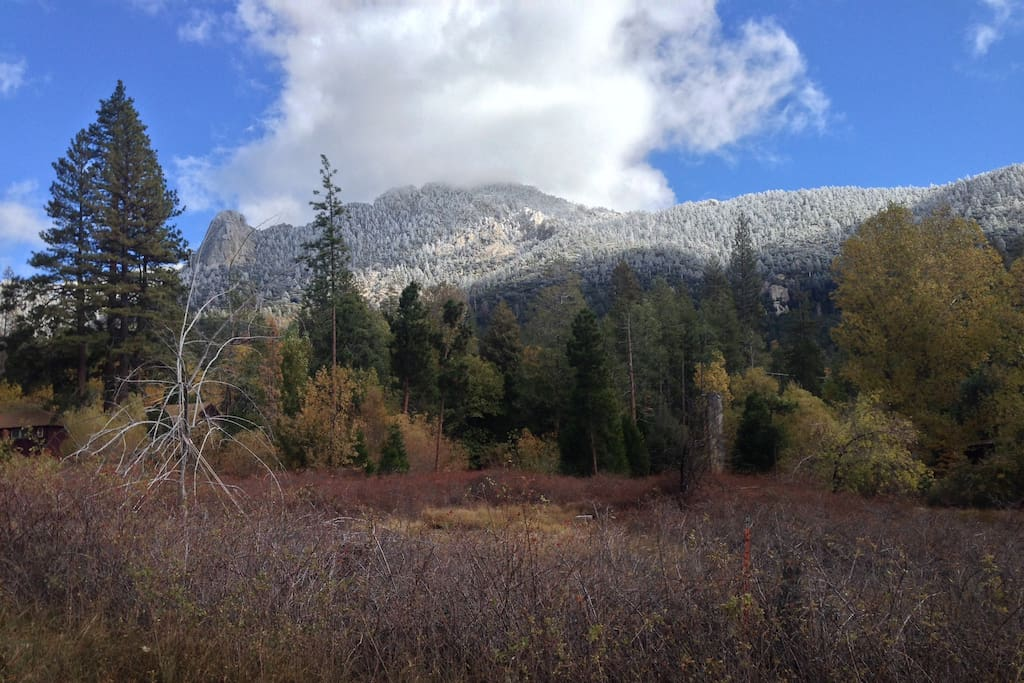 View of Taquitz Peak from a meadow on Taquitz Dr. A beautiful walk from Iris.   (January 2017)