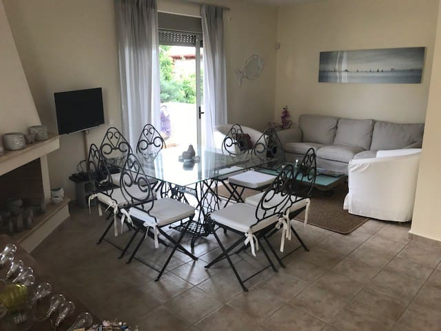 Artistic homes by the Sea in Loutraki  Spa town