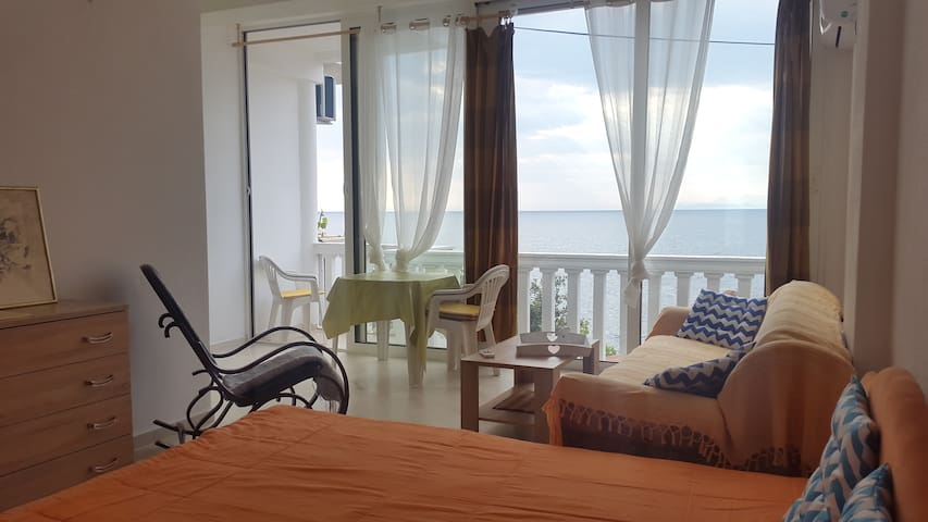 "DREAMSEA Apartment 1 ""Romeo&Juliet"" -10m From SEA"