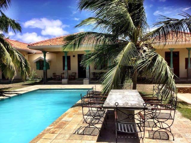 5 Bedroom Serene Villa On the Kite Lagoon